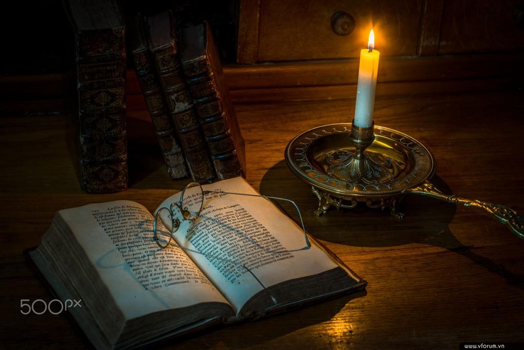 Sách đèn